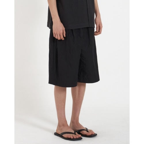 [YOUTH] Wide String Half Pants (Black Crease)